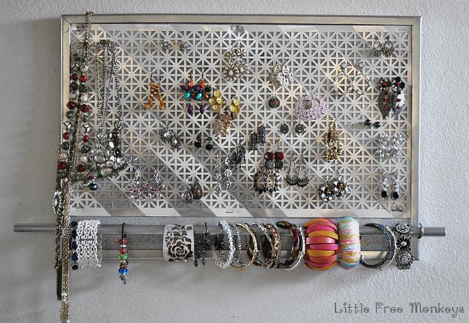 DIY Jewelry Organizer - Little Free Monkeys