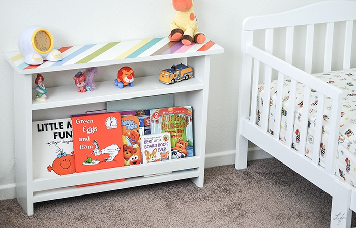 Such a great idea!! Perfect for a kids room for book storage | Kids bedside table | Beginner Woodworking Idea