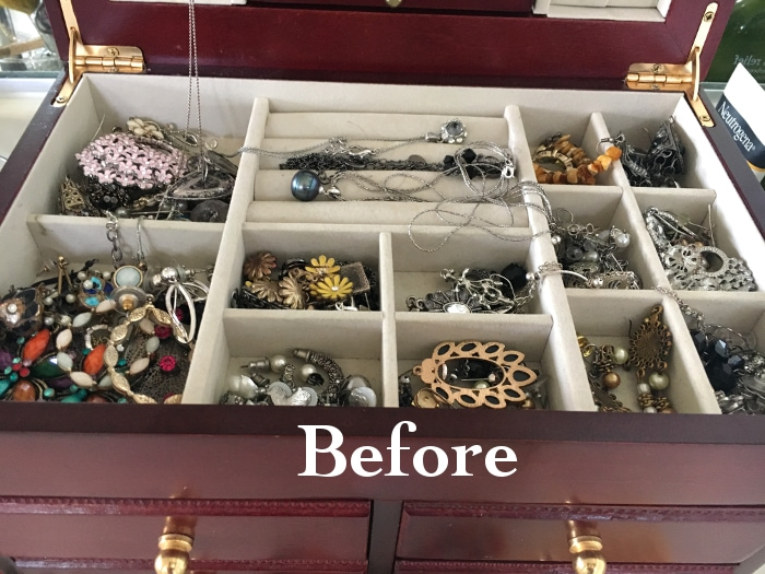 This DIY jewelry organizer is so pretty! And so easy to make!