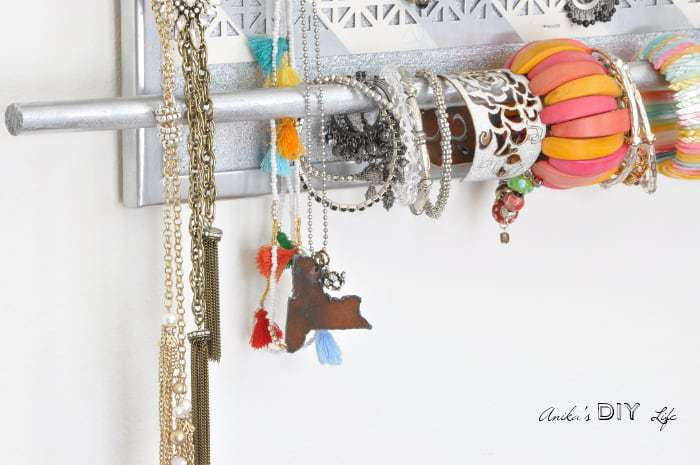 Such a pretty diy jewelry organizer! I need to make this!