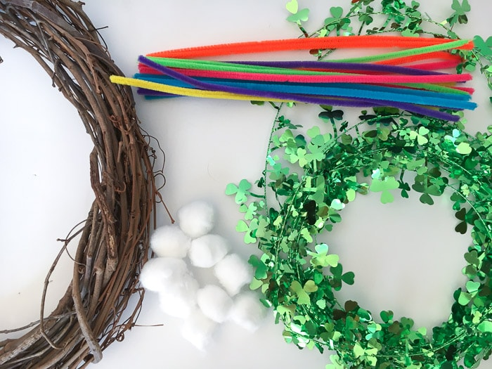 Easy DIY St. Patrick's day wreath - green and colorful! Lucky front door decoration