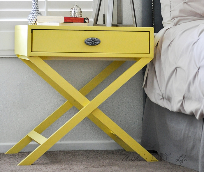 step by step tutorial with free plans to build a X-leg accent table
