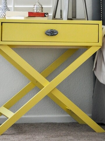 This X-leg accent table is an easy build and this detailed step by step tutorial with free plans will show you how you can build onethat looks straight out of the store.