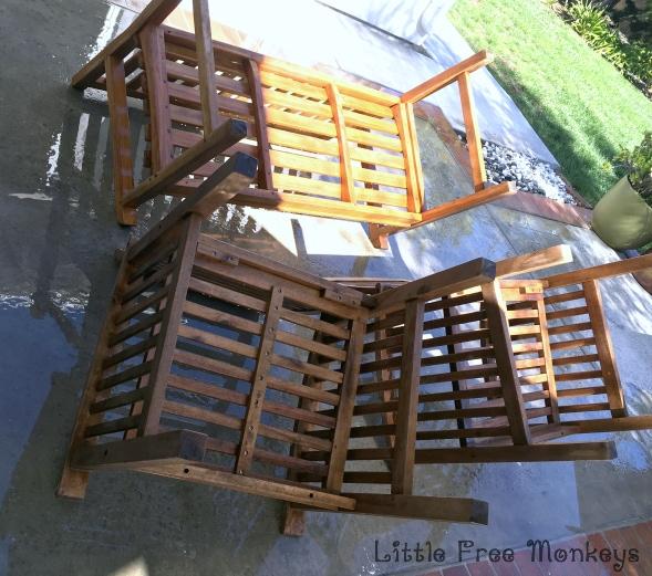 Patio Set cleaning - Little Free Monkeys