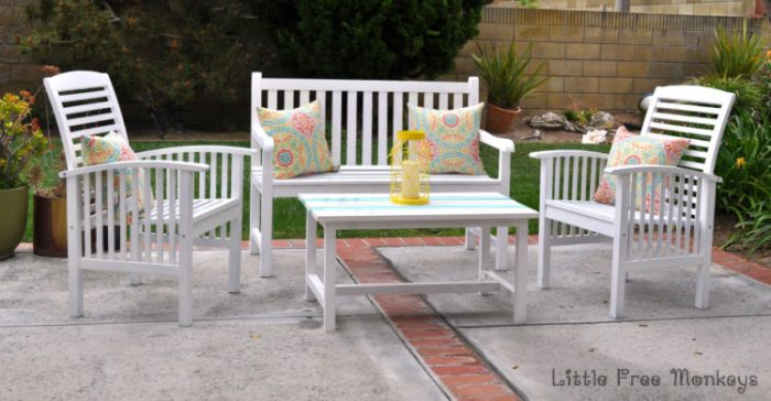 Painting outdoor wood - patio set makeover - Little Free Monkeys & DIY Porch and Patio decorating Ideas for a Fun Summer - Anikau0027s DIY Life