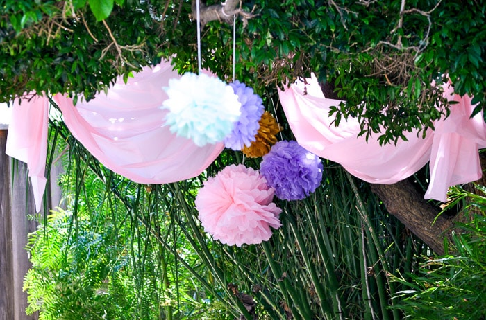 Princess birthday party outdoor decor idea