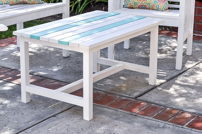 easy 15 diy outdoor coffee table free plans and step by step tutorial