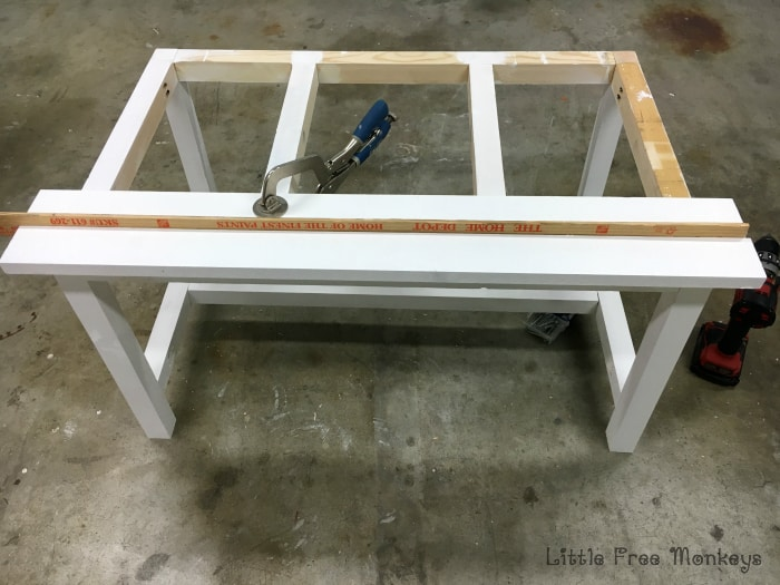 DIY Outdoor table top assembly