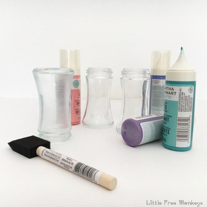 DIY Wind chime - color bottles - Little Free Monkeys