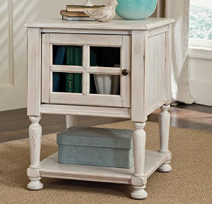 Farmhouse style nightstand - Check out all the other options for affordable nightstands under $150!