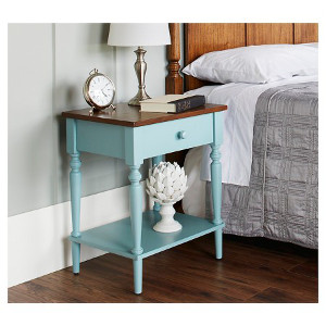 Isabella country nightstand - Check out all the other options for affordable nightstands under $150!