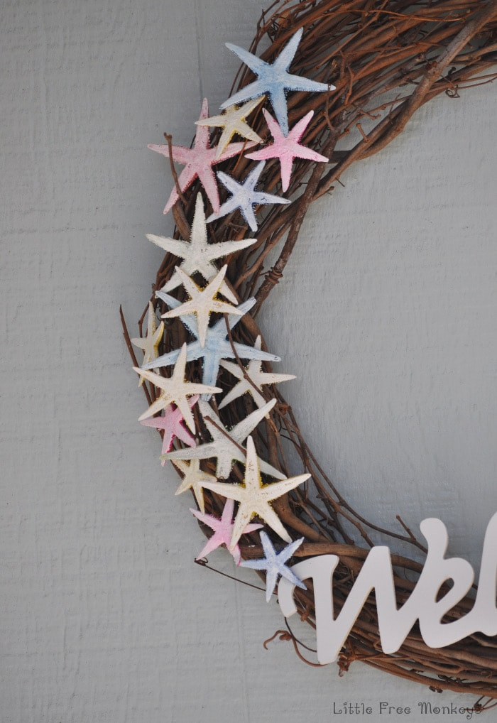 DIY coastal wreath - make this easy and rustic wreath for under $10!