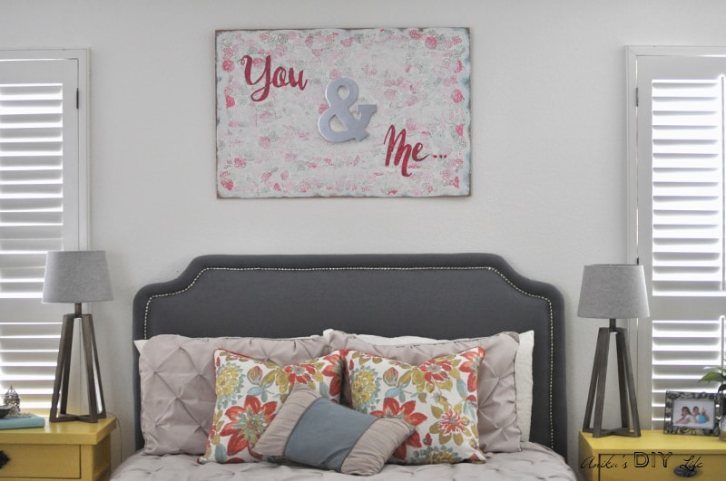 An easy DIY Wall art perfect for the bedroom! Lots of DIY Master bedroom decor!
