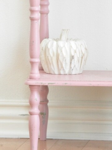 How to paint a shelf with Chalk mix