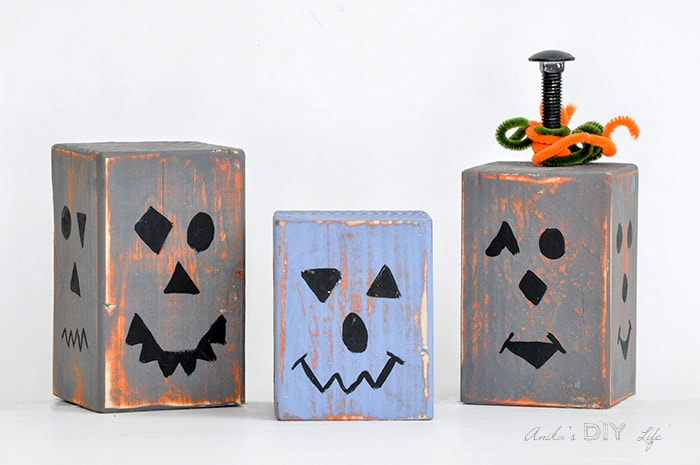 Stackable wood block pumpkin idea. This is a cool DIY Fall decor idea!