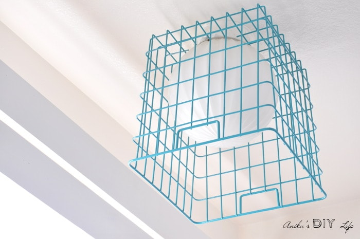 Diy easy wire basket lampshade anikas diy life a super easy and quick fix for those outdated light fixtures make a wire basket greentooth Image collections