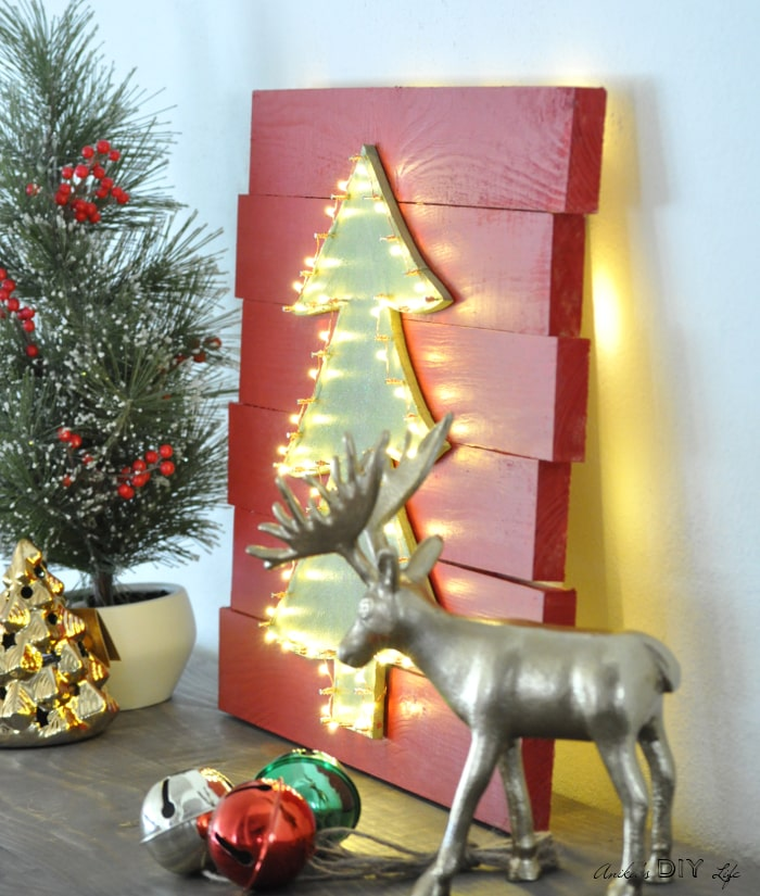 This is the perfect wall decor for Christmas! An LED Christmas tree that can be hung on any wall!
