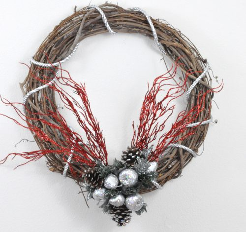 Quick and Easy DIY Christmas Wreath