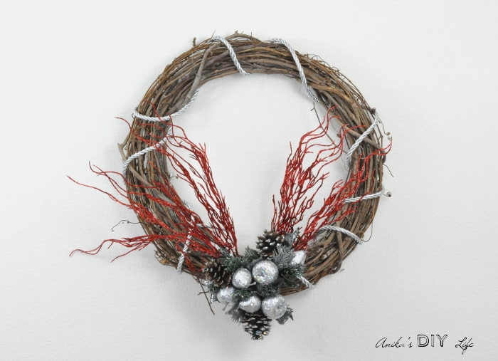 This is such a super easy DIY Christmas wreath! It is so pretty and quick to make!