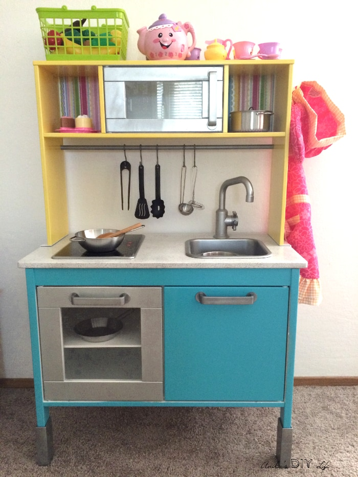 Looks like my dream Kitchen!! This Ikea Duktig hack is the best kids play kitchen makeover I have ever seen!