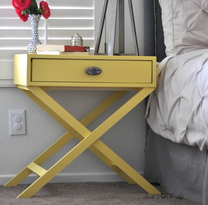 Oh my god!! I can't believe how easy it is to make this DIY X-base bedside table! And I can customize it any way I want with the free plans!
