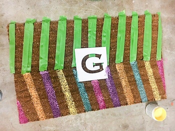 Easy tutorial - make a personalized DIY doormat & Easy DIY Personalized Doormat - Anika\u0027s DIY Life