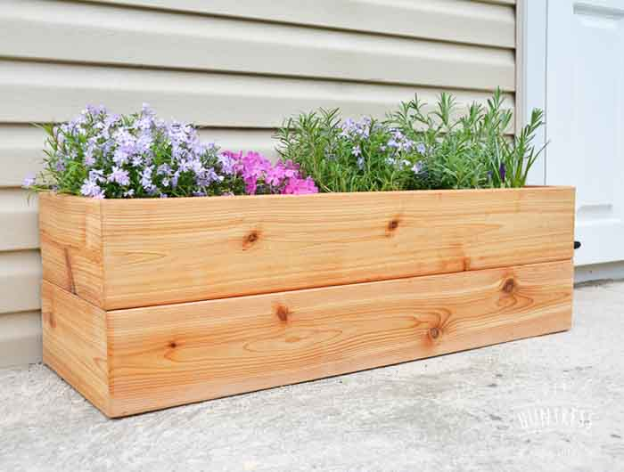 DIY Modern Cedar Planter This Easy Cedar Planter And Many More Amazing DIY Planter  Inspiration
