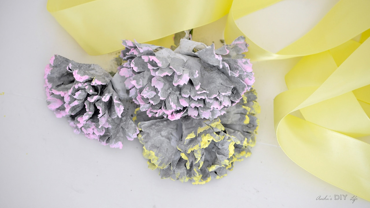 DIY Concrete Flowers : Easy 2-minute Project - Anika's DIY ...