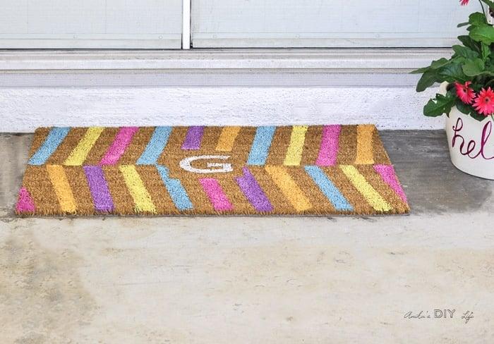 Colorful DIY doormat for a quick spring porch update & Easy DIY Personalized Doormat - Anika\u0027s DIY Life