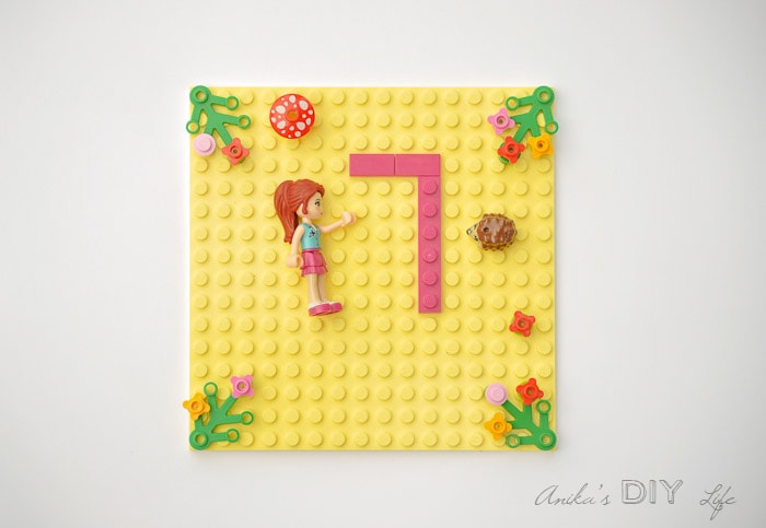 How to make your own Lego Friends birthday invitations