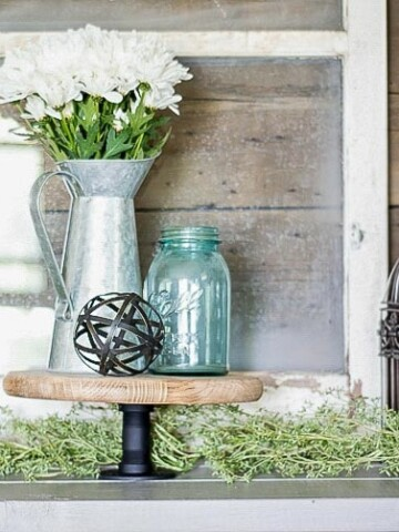 This DIY industrial style cake stand that fits right in with any decor. Make your own cake stand with this quick and easy tutorial.