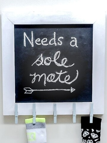This chalkboard laundry room sign is perfect for your laundry. It is easy to make and a great solution to finding all the missing socks.
