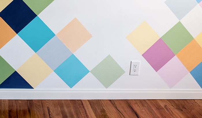 how to paint diamonds on the wall for a kids room