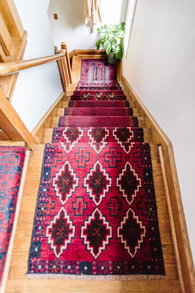 Colorful Stair runner! 10 other ideas to update your staircase