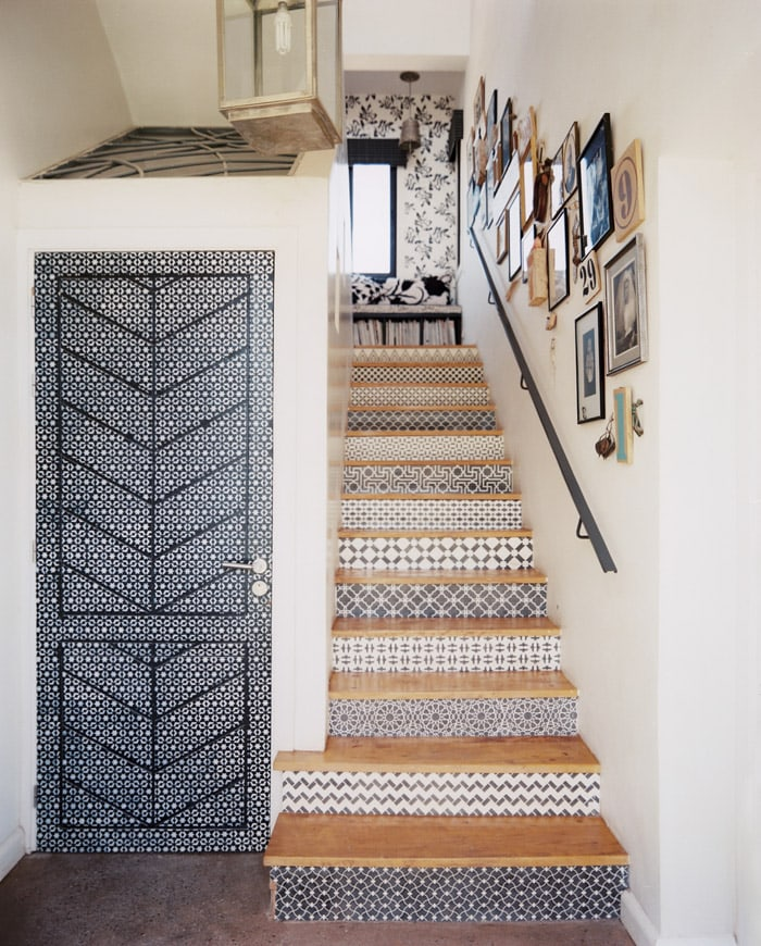 Mix and match wall paper ideas for your staircase