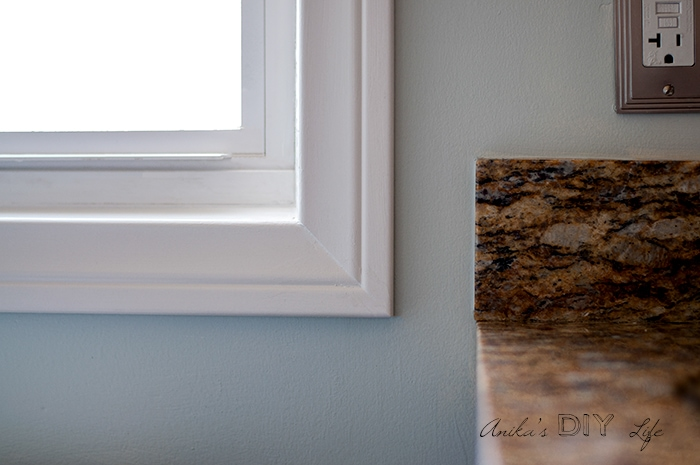 Window corner with DIY trimmed casing