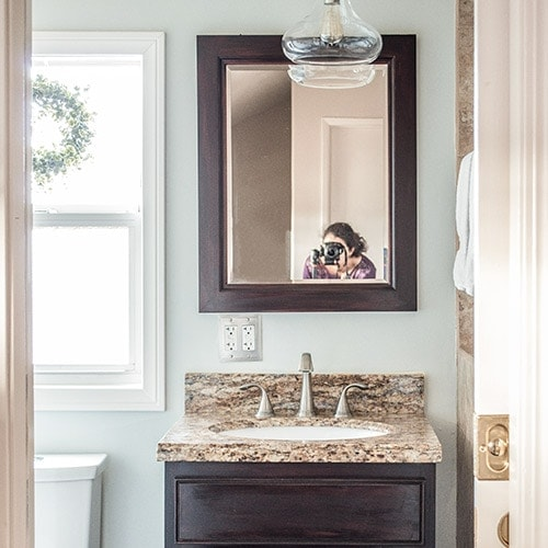 A small bathroom remodel on a budget. These cheap bathroom remodel ideas for small bathrooms are quick and easy.  If you are wondering - how do I decorate a small bathroom, don't miss these modern bathroom ideas on a budget.
