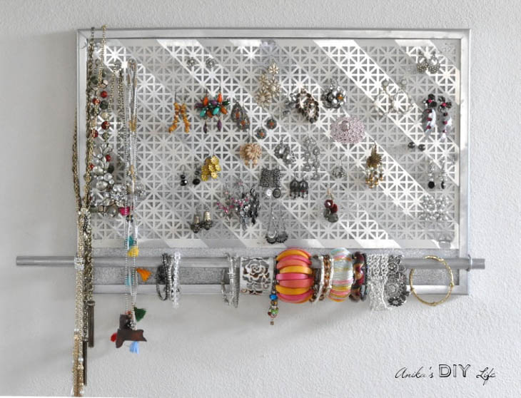 DIY wall jewelry organizer made with cork board and aluminum sheet