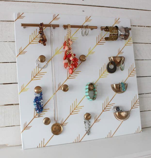 DIY Jewelry organizer by Happy Housie