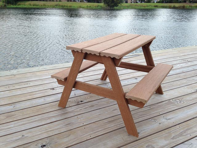 DIY composite picnic table for kids