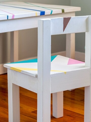 DIY kids table and chair set ideas that you can easily build no matter your skill level! Pick your favorite from this collection of great designs and build the kids the perfect place for homework, art or play!