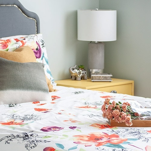 A guest bedroom refresh and Saatva mattress review... See what I really think of this mattress and get inspired to create a fun and cheerful guest bedroom!