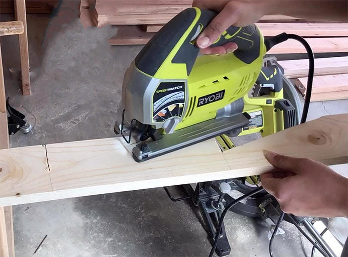 Cutting angles on 1x6 board using a jig saw