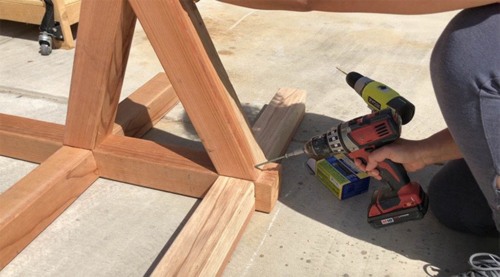 Attaching braces to the base of DIY hammock stand