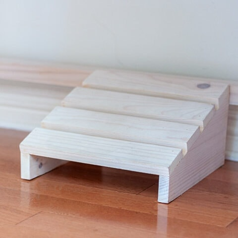 How To Build An Easy DIY Footrest