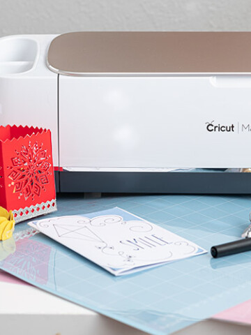 Step by step guide to Cricut Maker set up for beginners. Learn how to get the machine out of the box and going with simple first projects.