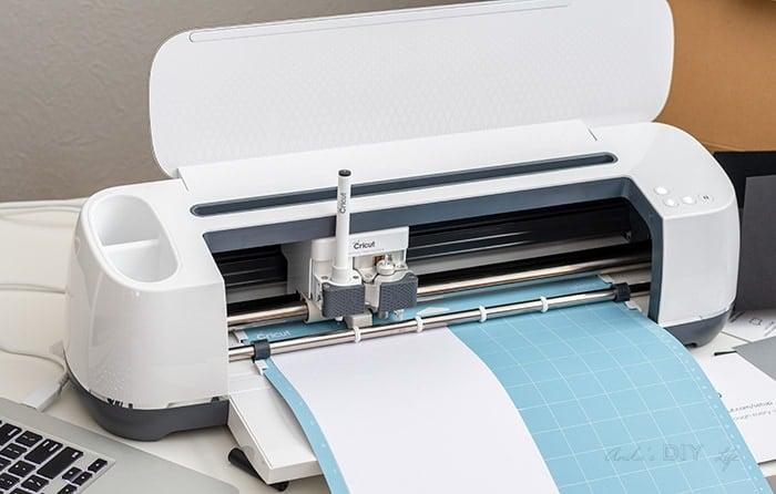 Cricut machine cutting cardstock