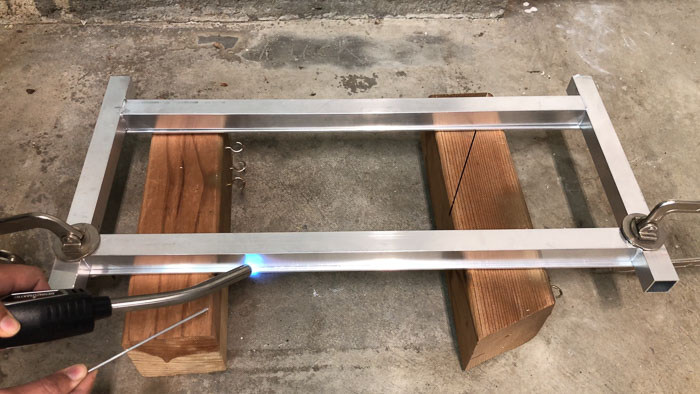 Attaching the top bars with aluminum brazing