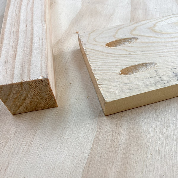 Follow these simple pocket hole tips and tricks to build furniture like a pro. Pocket hole joinery is extremely beginner-friendly and with these simple steps, you can build awesome furniture in no time!