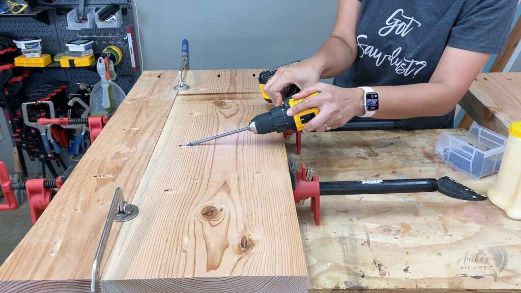 building a wide shelf using pocket hole screws and clamps